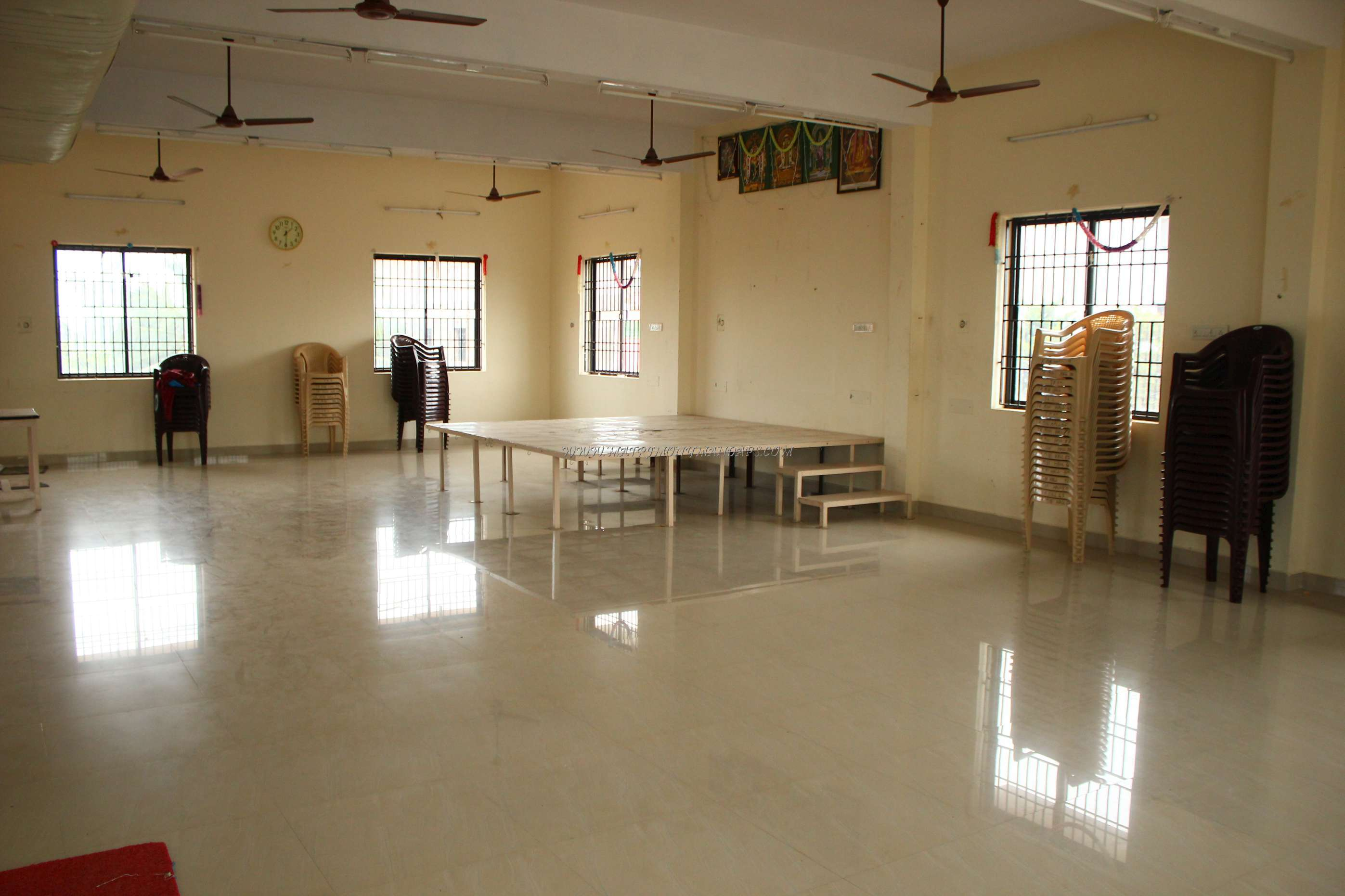 Find the availability of the TR Mini Hall (A/C) in Keelkattalai, Chennai and avail special offers