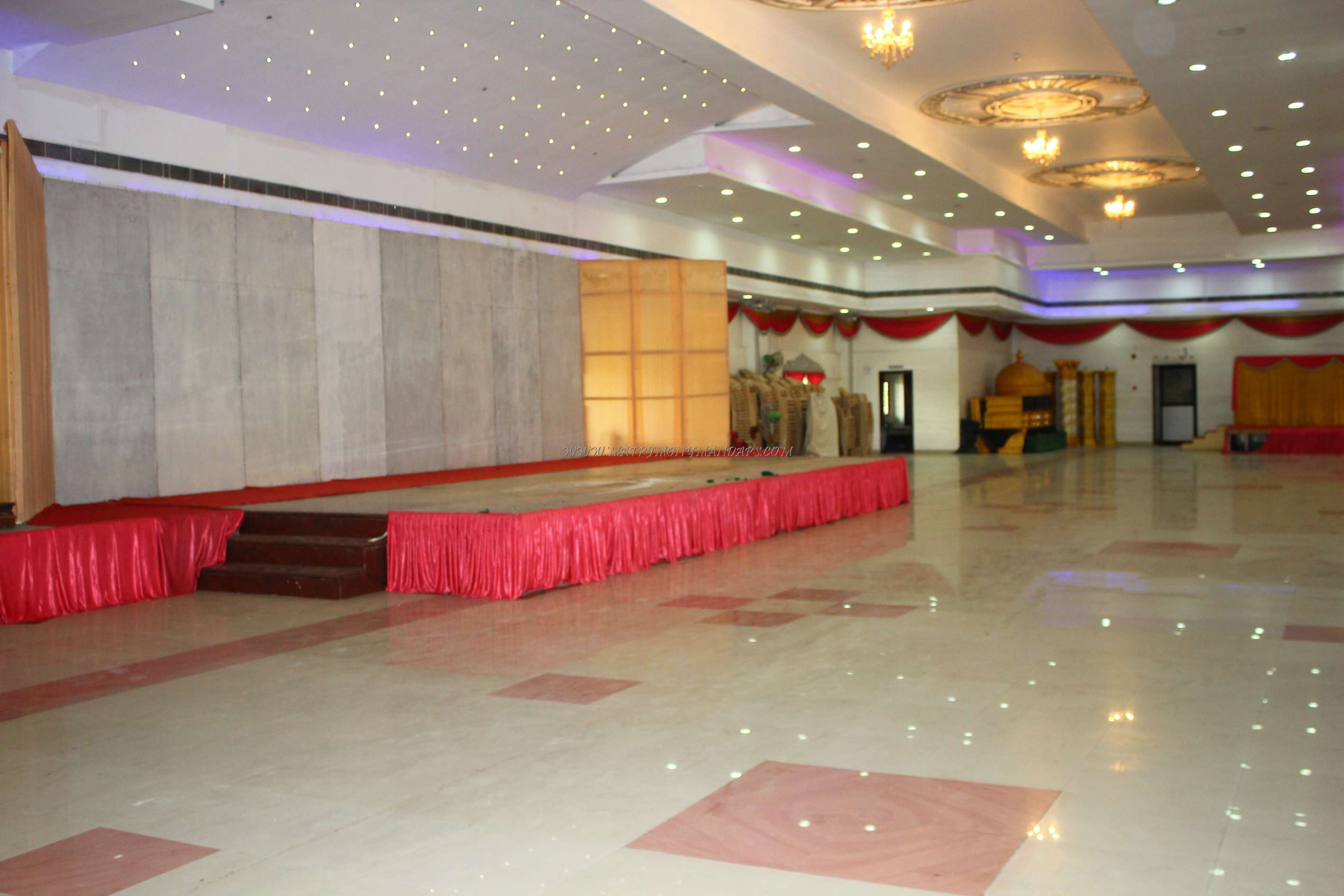 Find the availability of the EVP Rajeshwari Marriage Pale (A/C) in Poonamallee, Chennai and avail special offers