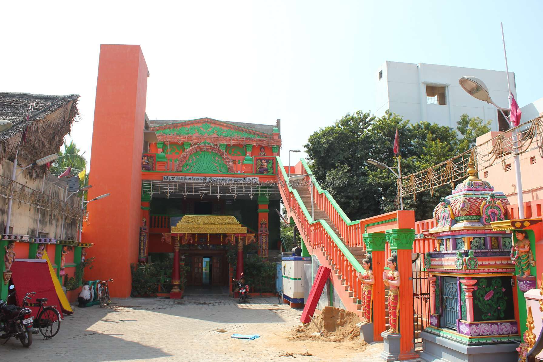 Find the availability of the Veera Sengammal Thirumana Mahal (A/C) in Keelkattalai, Chennai and avail special offers