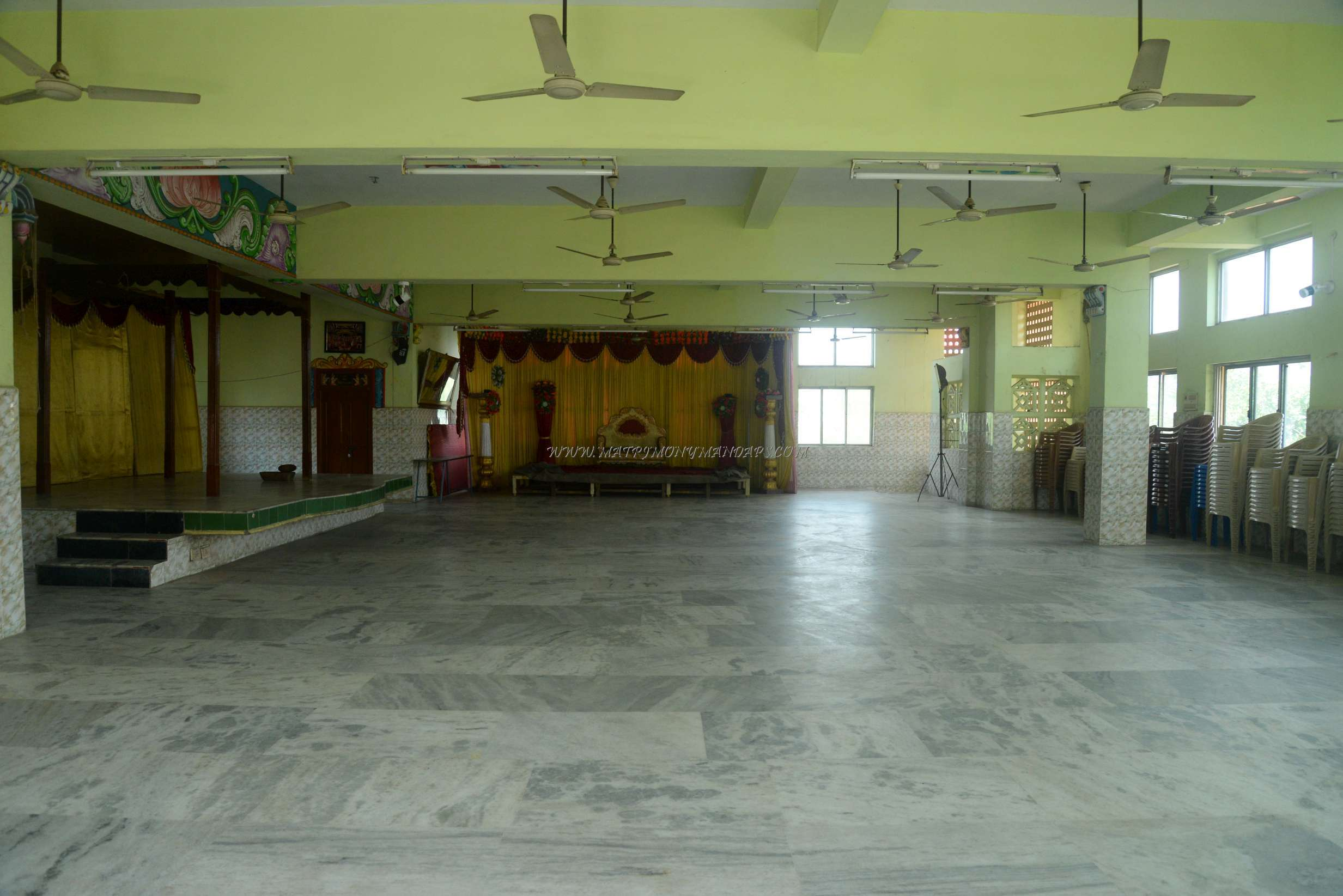 Find the availability of the Sri Hari Krishna Thirumana Mahal in Avadi, Chennai and avail special offers