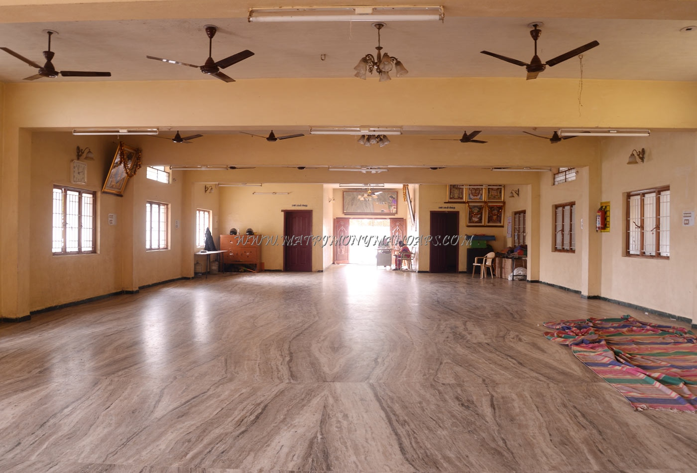 Find the availability of the Sri Ranga Mahal in Maruthamalai Road, Coimbatore and avail special offers