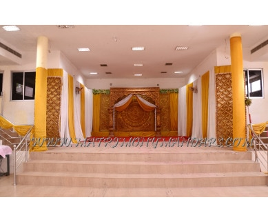 Explore SLV Marriage Hall (A/C) in PT Nagar, Madurai - Stage