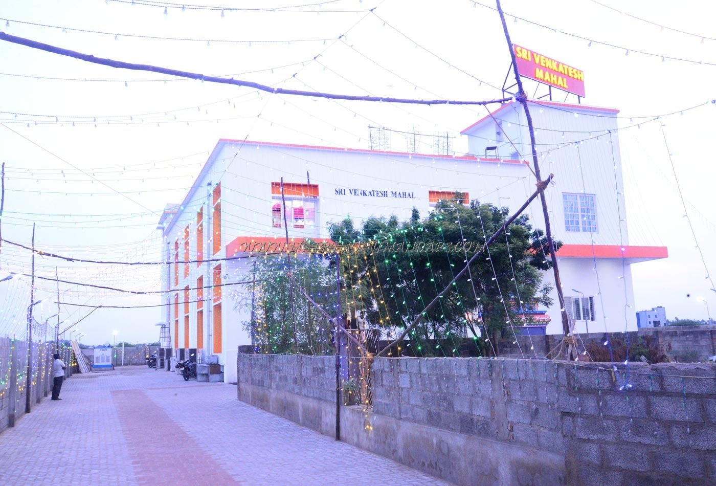 Find the availability of the Shree Venkatesh Mahal in Pallavaram, Chennai and avail special offers