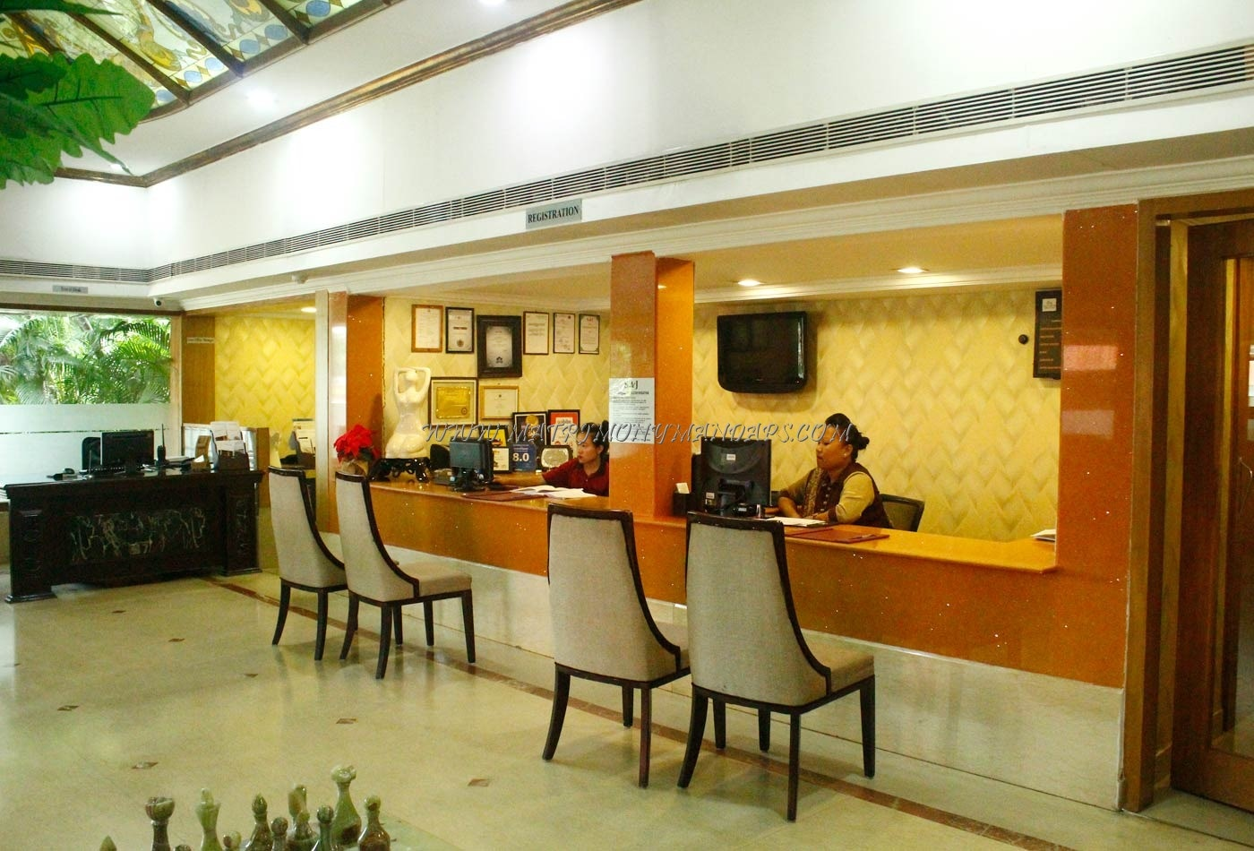 SAJ Earth Resort - Reception Area