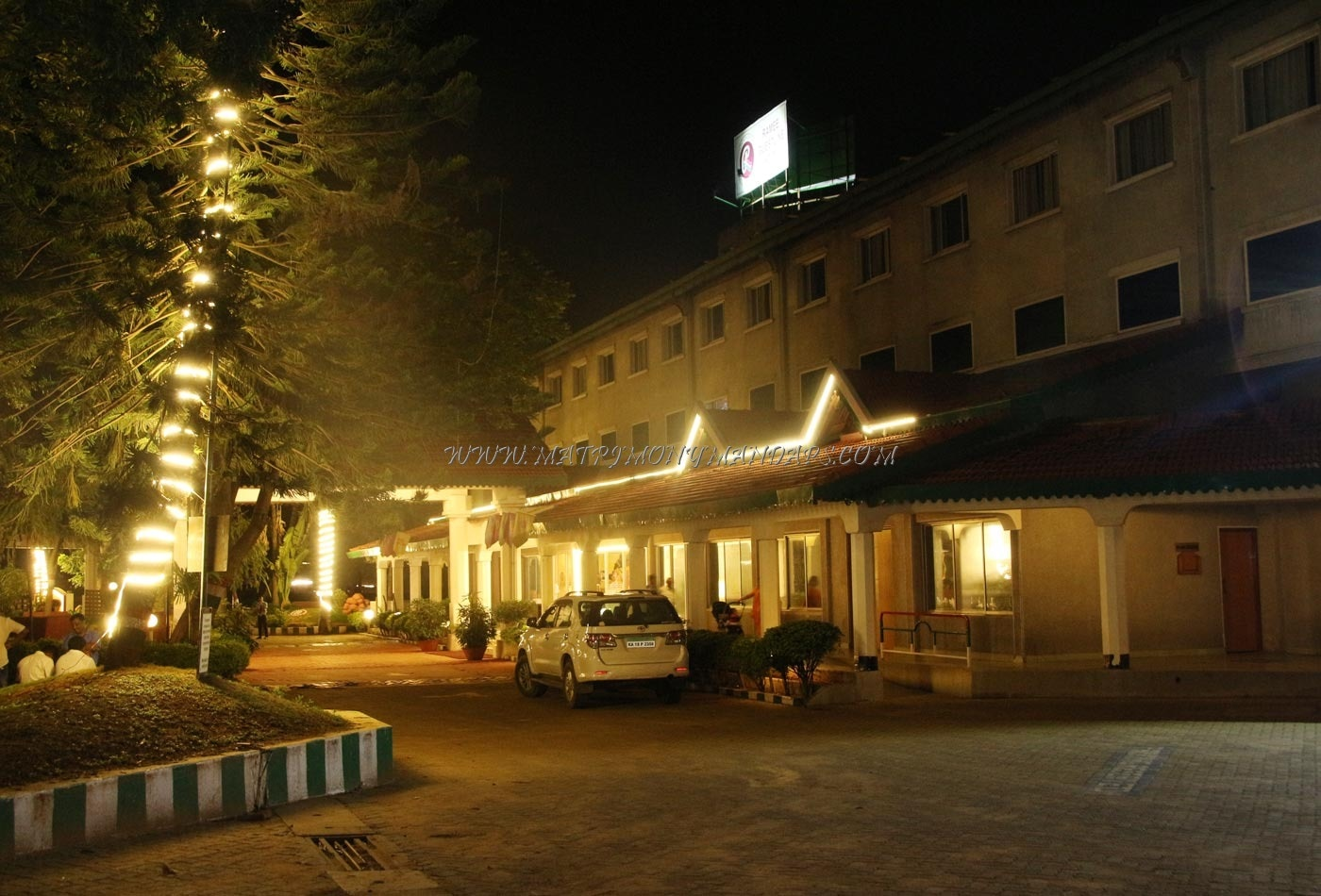 Dialogue Ramee Guestline Hotels And Resorts - Outside View