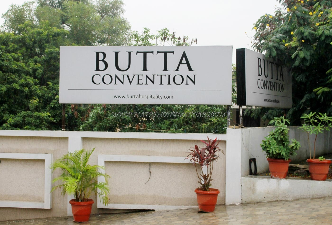 Butta Convention - Outside View