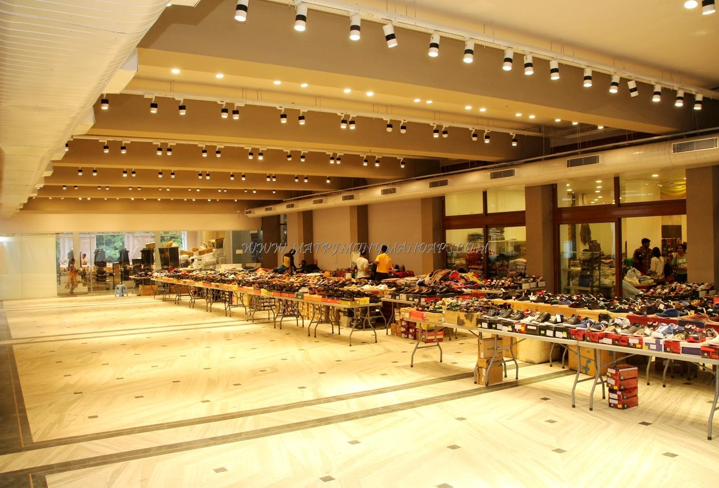 Find the availability of the Safina Plaza UpNdown Imagine Hall (A/C) in Infantry Road, Bangalore and avail special offers