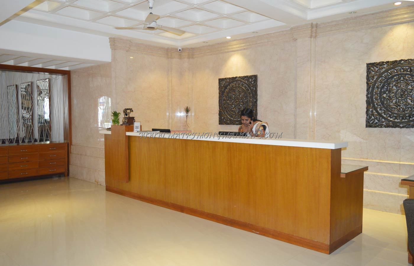Find the availability of the Bhasuri Inn - Pananghai C (A/C) in East Nada, Guruvayoor and avail special offers
