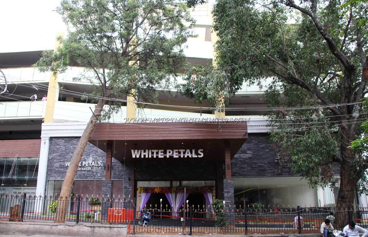 Find the availability of the White Petals Vijayanagar (A/C) in Vijayanagar, Bangalore and avail special offers