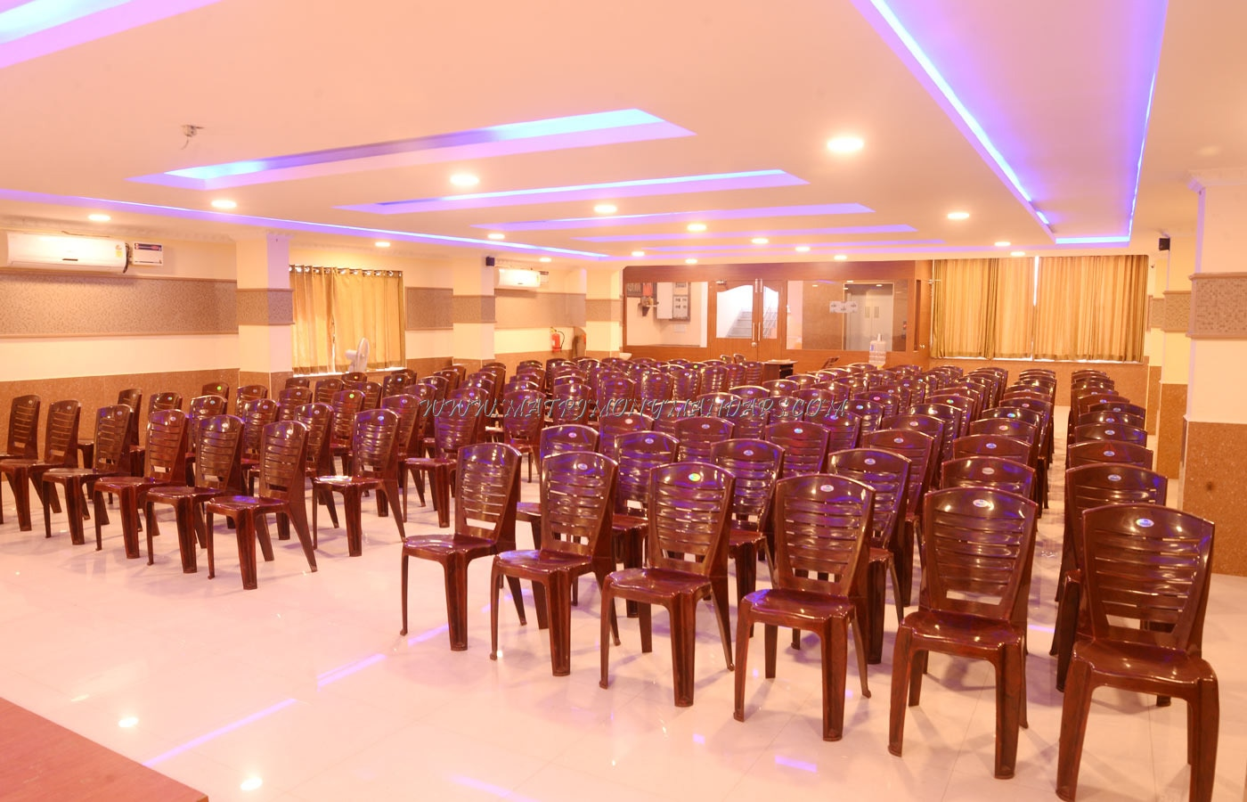 Find the availability of the SP Grand Pale Banquet Hall  (A/C) in Porur, Chennai and avail special offers