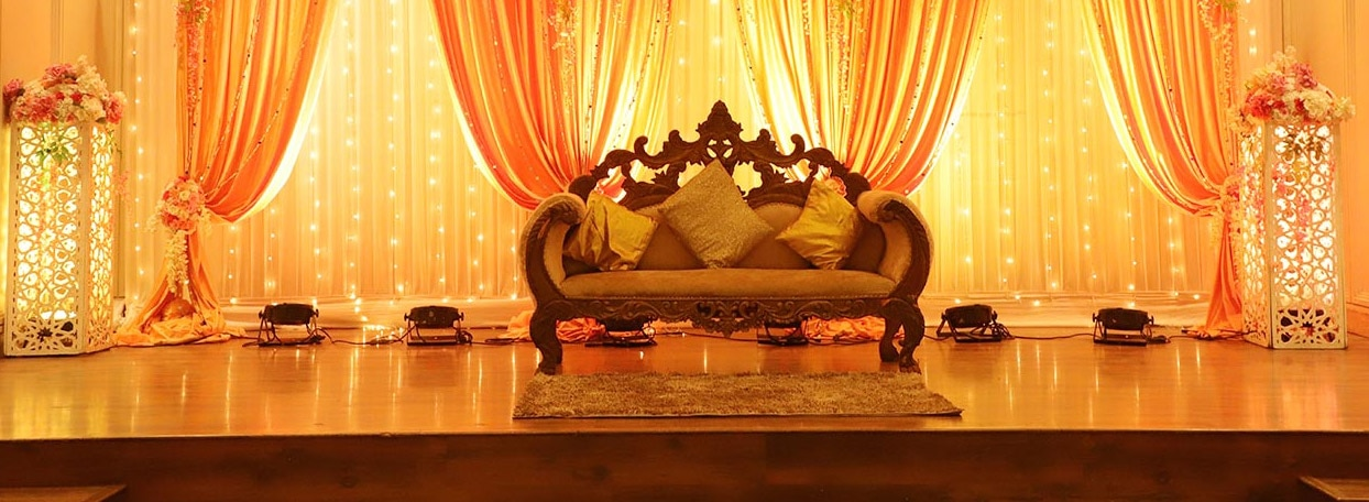 Explore thousands of wedding venues in India and select the most suitable one for your special occasion!