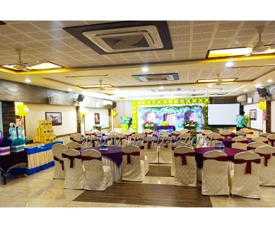 Find the availability of Hotel Apple Tree BanyanI (A/C)  in Tirunelveli Town, Tirunelveli and avail the special offers