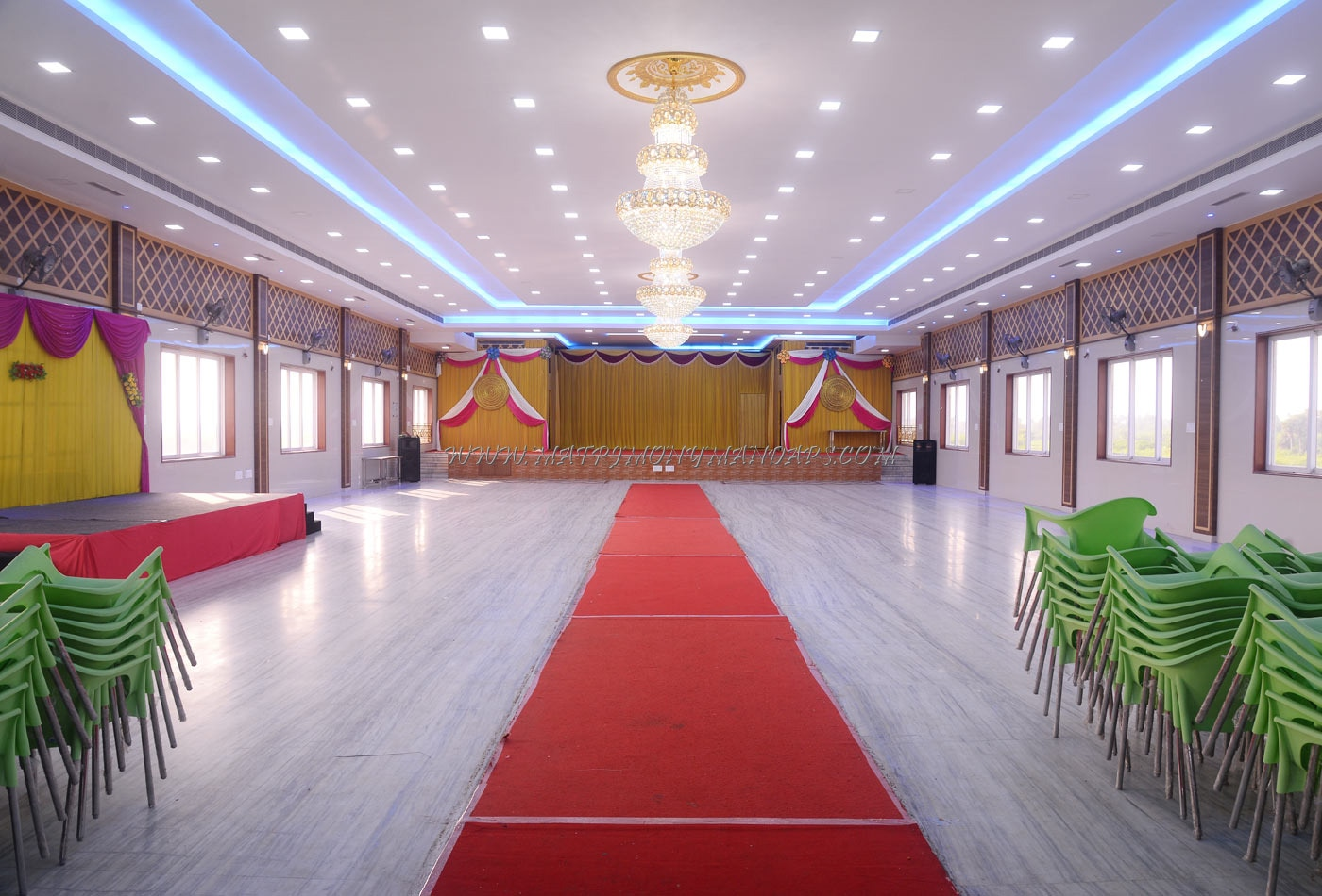 Find the availability of the Sri Devi Vinayaga Thirumana Mahal (A/C) in Puliyur Village, Chennai and avail special offers