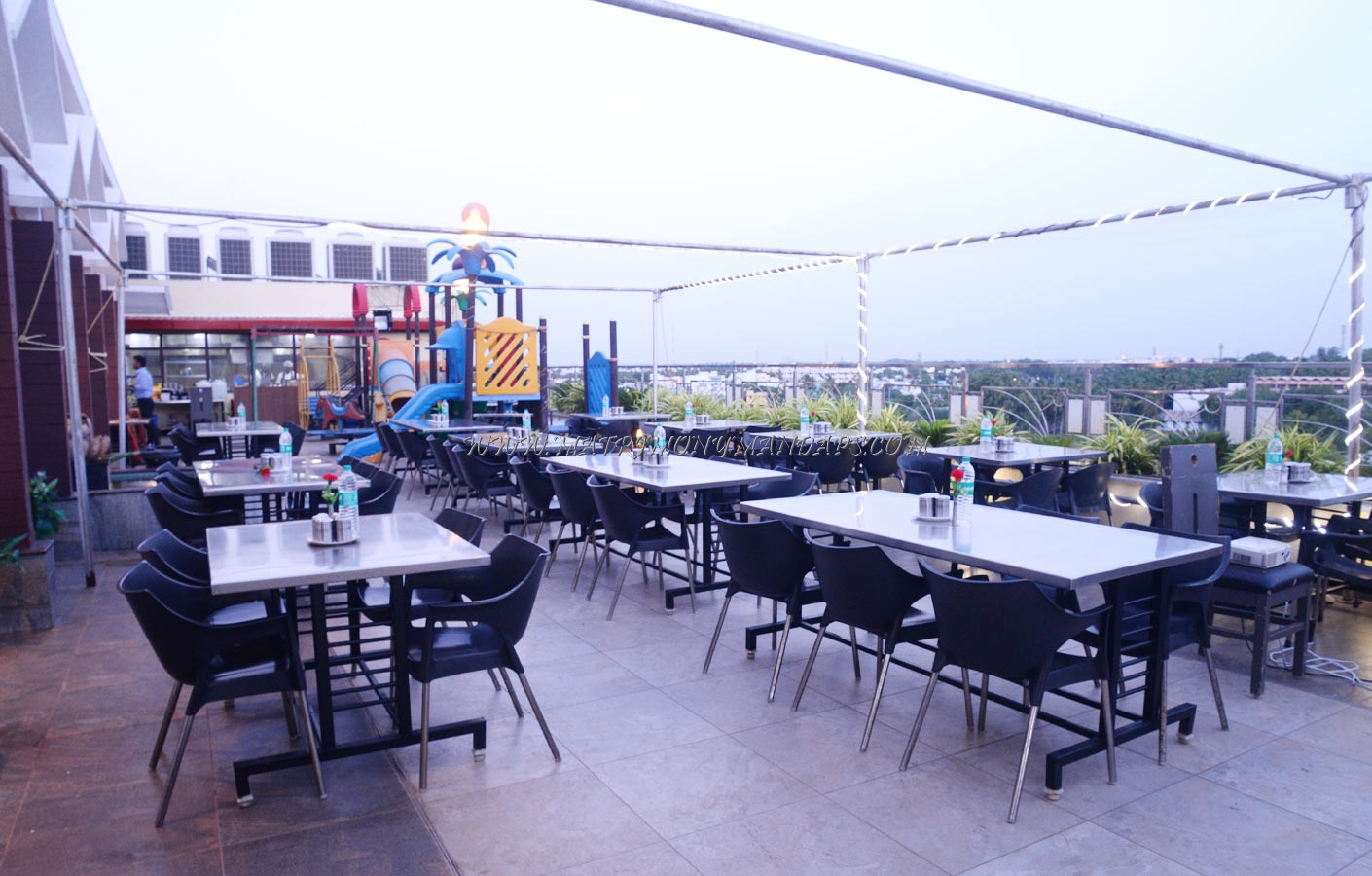 Hotel Rockfort View Private Ltd Roof Top Party Hall - Dining