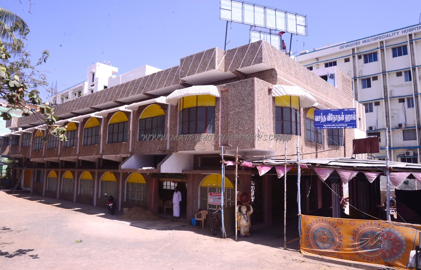 Find the availability of the Vasantha Vinothan Hall in K Pudur, Madurai and avail special offers
