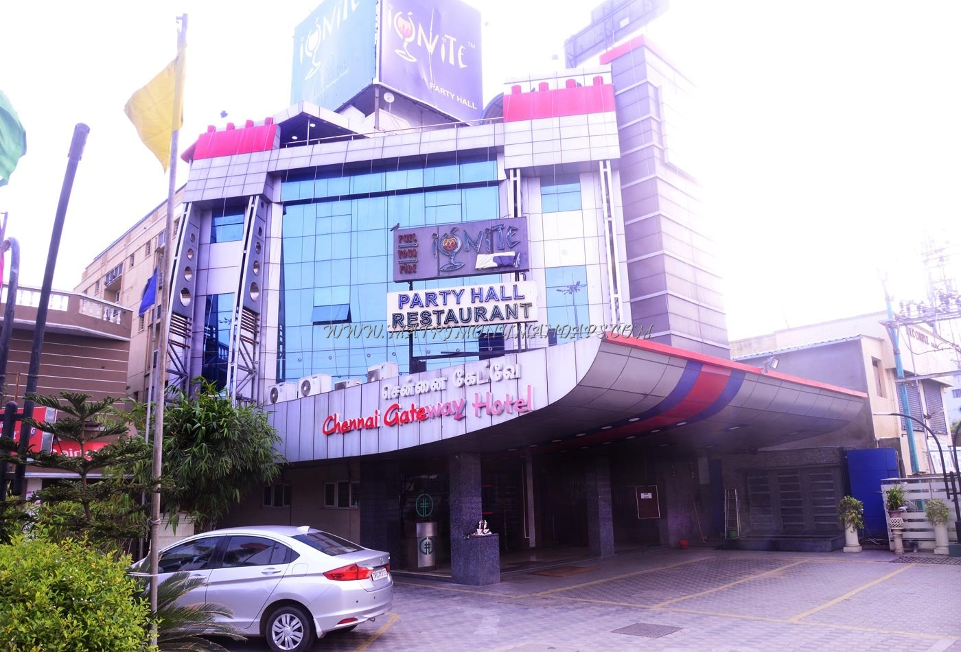 Find the availability of the Hotel Chennai Gateway (A/C) in Koyambedu, Chennai and avail special offers
