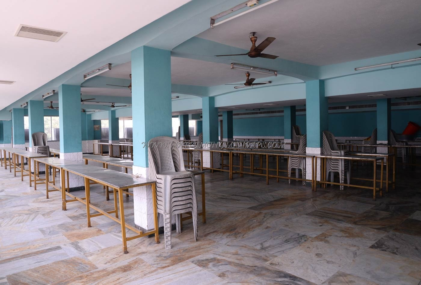 Find the availability of the Sri Kumaran Mahal  (A/C) in Medavakkam, Chennai and avail special offers