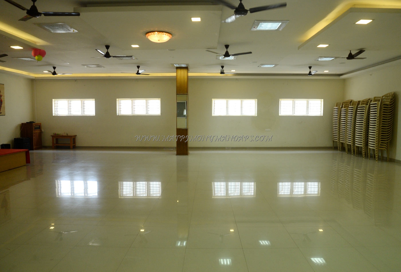 Find the availability of the Veda Banquet Hall in Nanjundapuram, Coimbatore and avail special offers