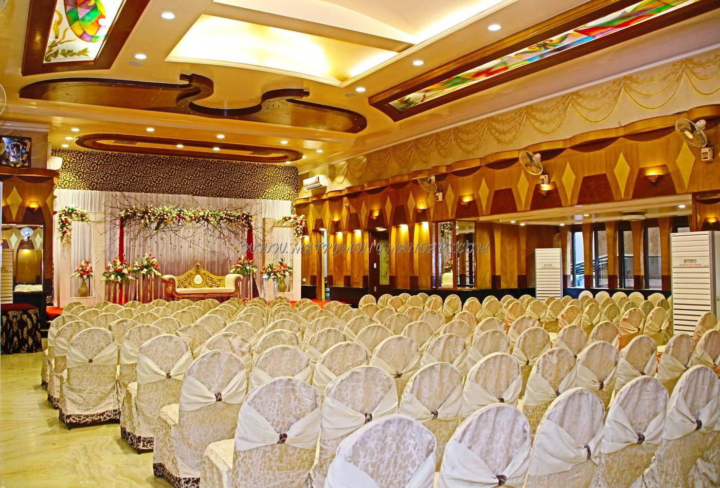 Find the availability of the Pai Viceroy - Sammilan (A/C) in Jayanagar, Bangalore and avail special offers