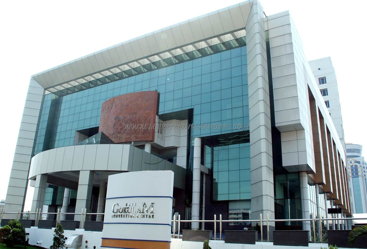 Find the availability of the Sree Gokulam Convention Centre - Sabari Hall (A/C) in Kaloor, Kochi and avail special offers