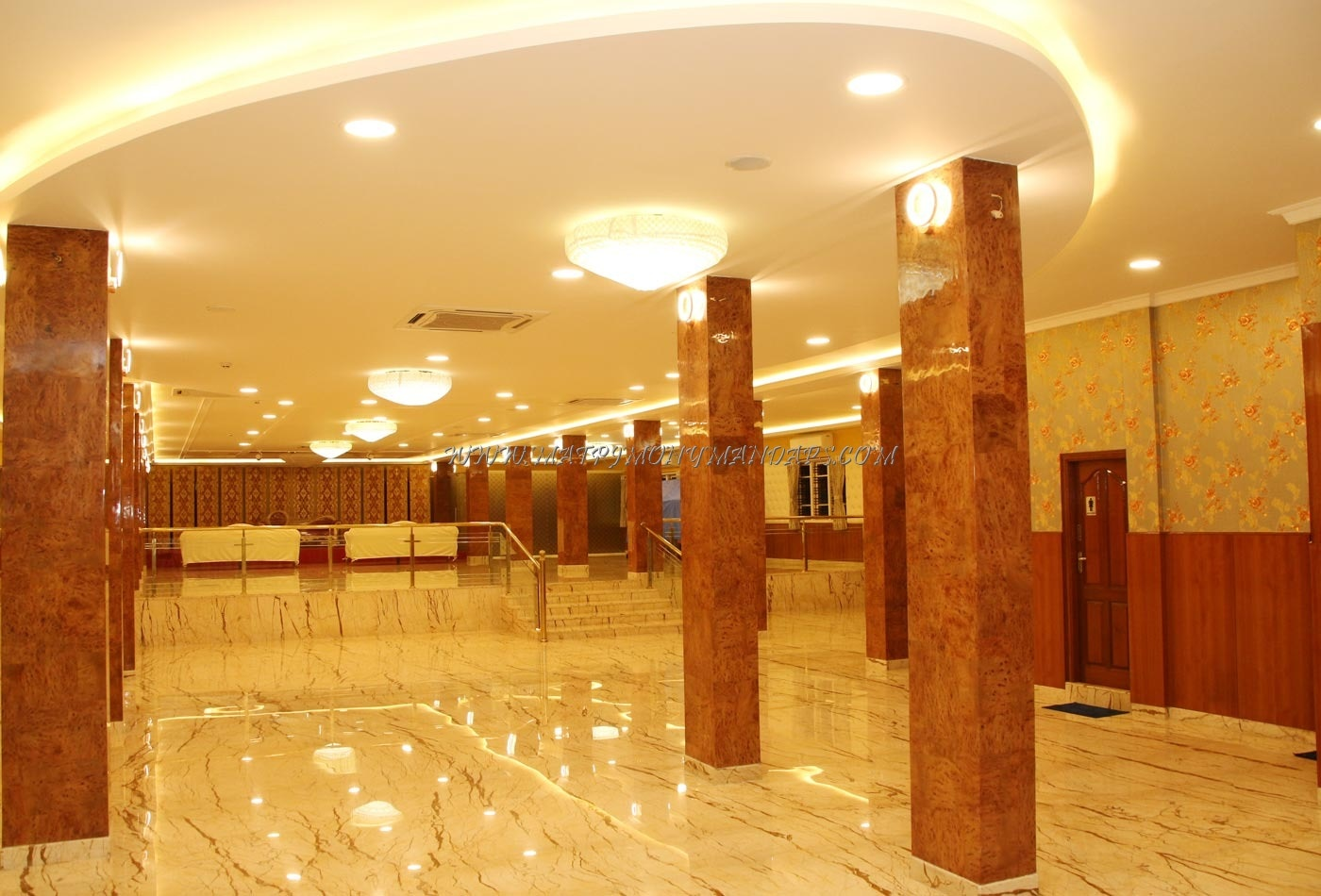 Find the availability of the HP Bahaar Convention Center (A/C) in hosur road, Bangalore and avail special offers