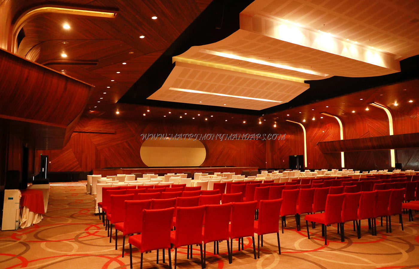 Find the availability of the Le Meridien Kochi Oman Hall (A/C) in Maradu, Kochi and avail special offers