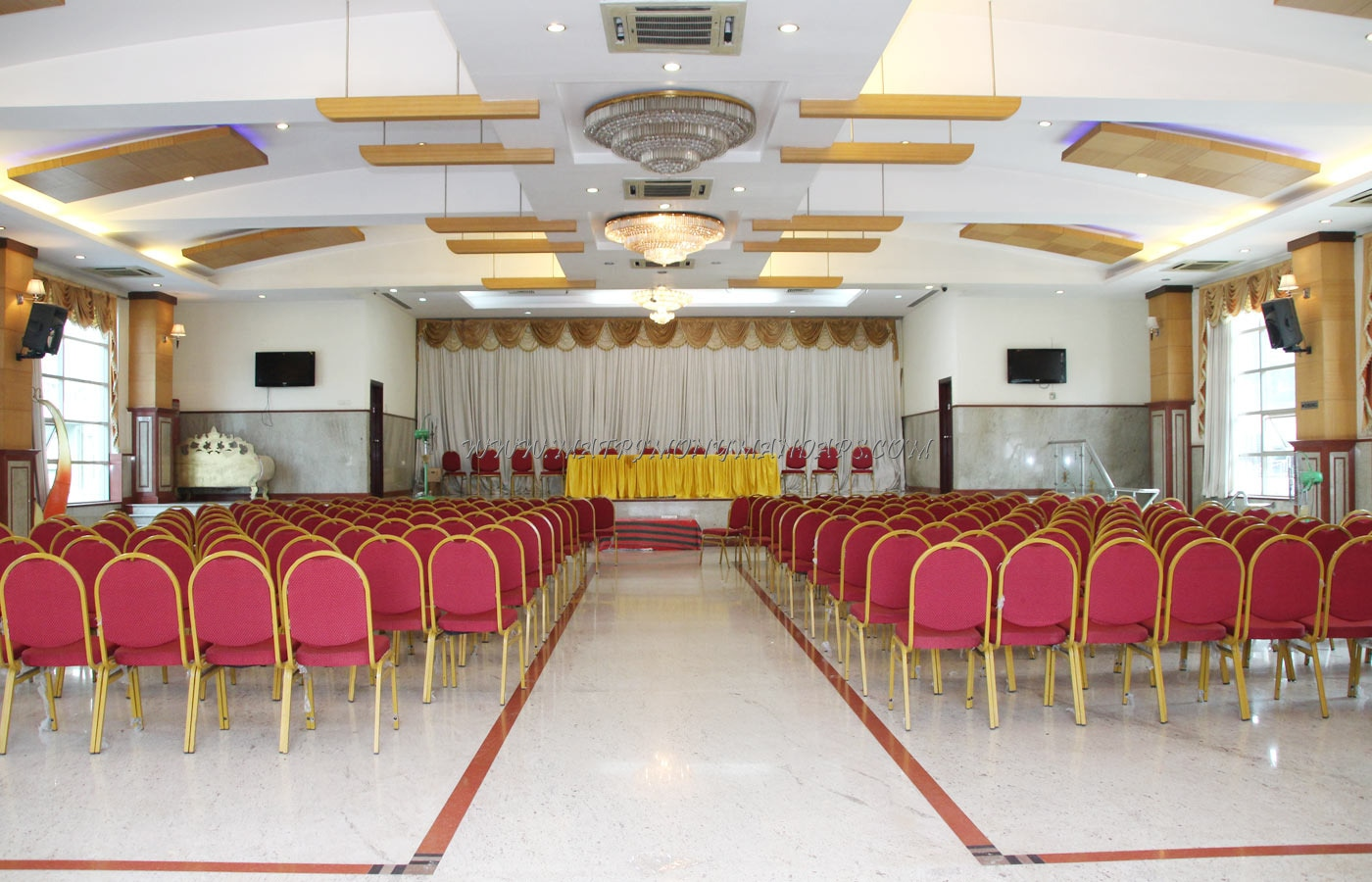 Find the availability of the Abhimaani Inn And Convention Center Sambanda Hall (A/C) in Basaveshwara Nagar, Bangalore and avail special offers