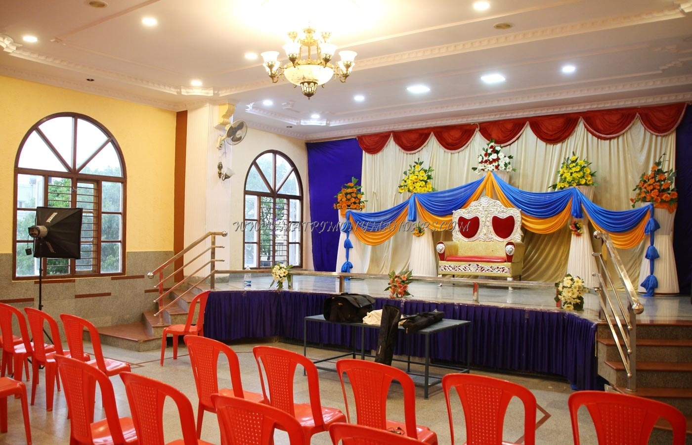 Find the availability of the Sri Lakshmi Party Hall in Kammanahalli, Bangalore and avail special offers