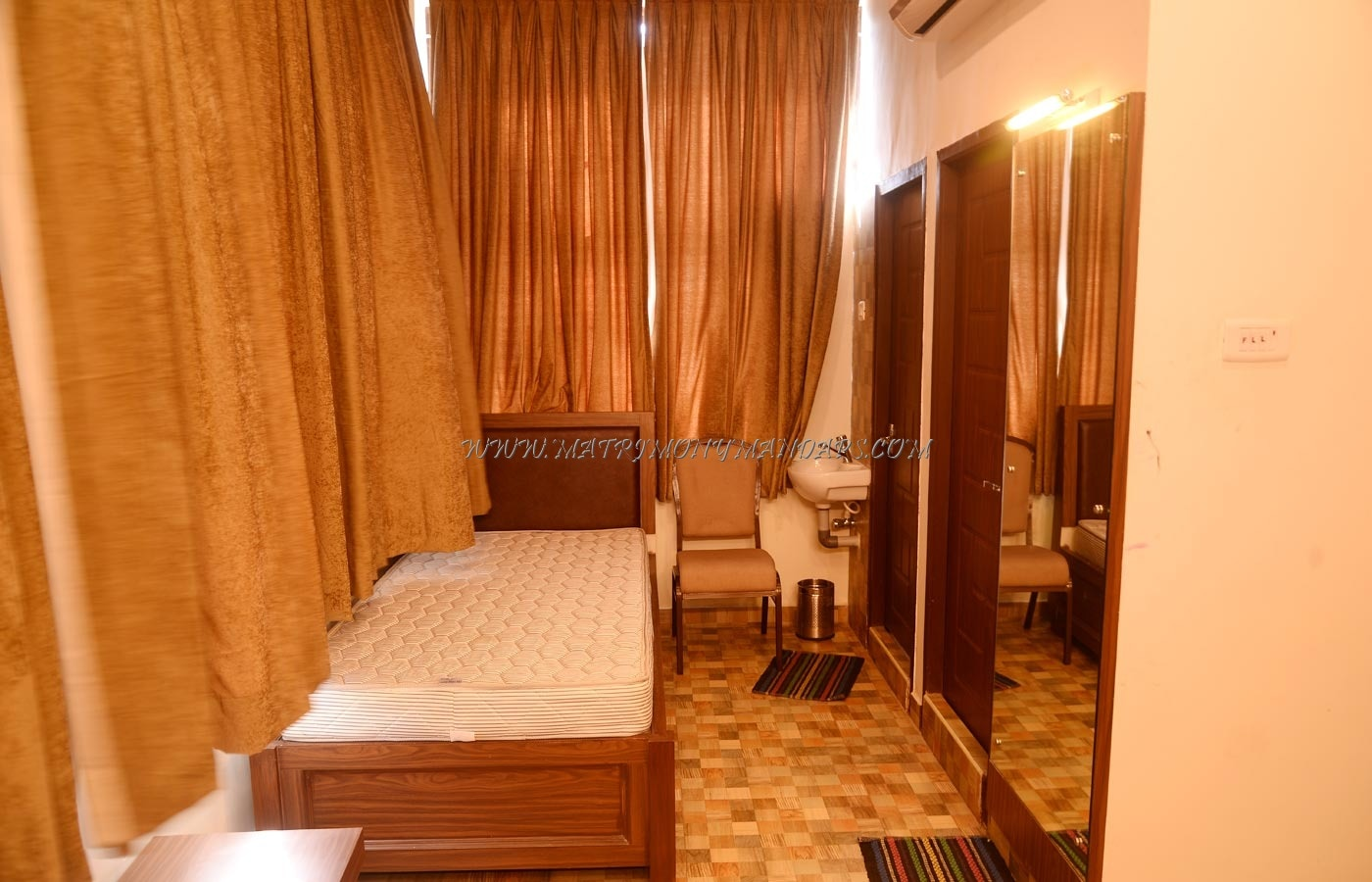 Ramavadivu Convention Centre - Rooms