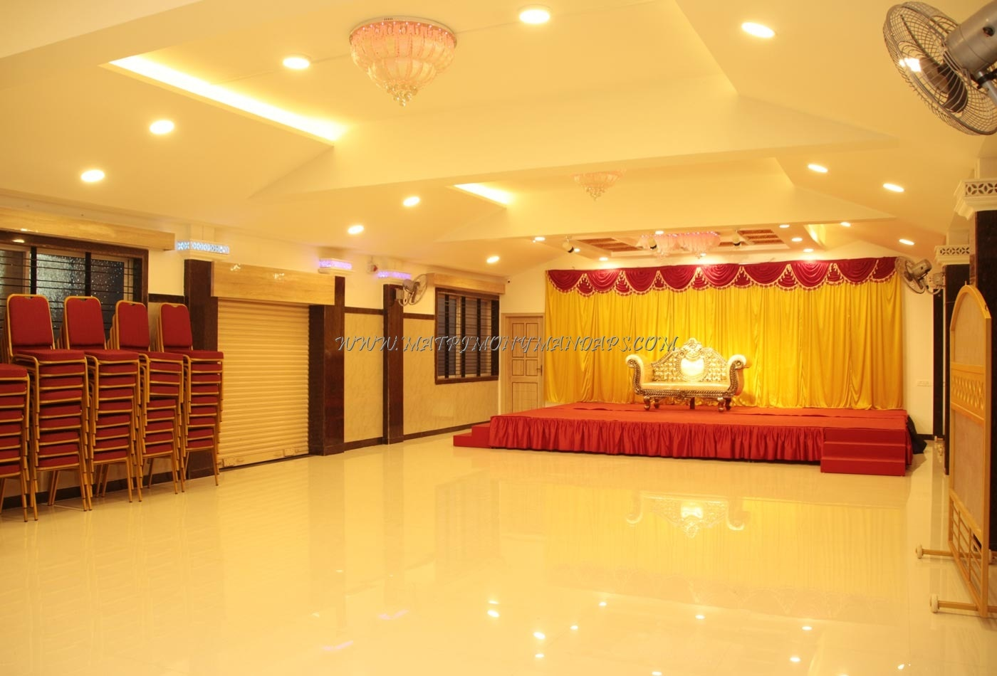 Find the availability of the Blossom Banquet Hall (A/C) in Lal Bagh Road, Bangalore and avail special offers