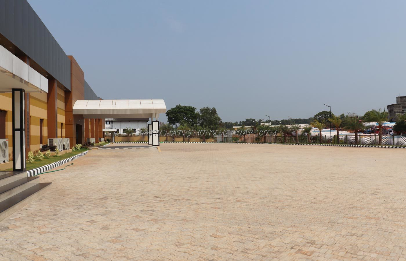 Zamra International Convention And Exhibition Centre - Outside View