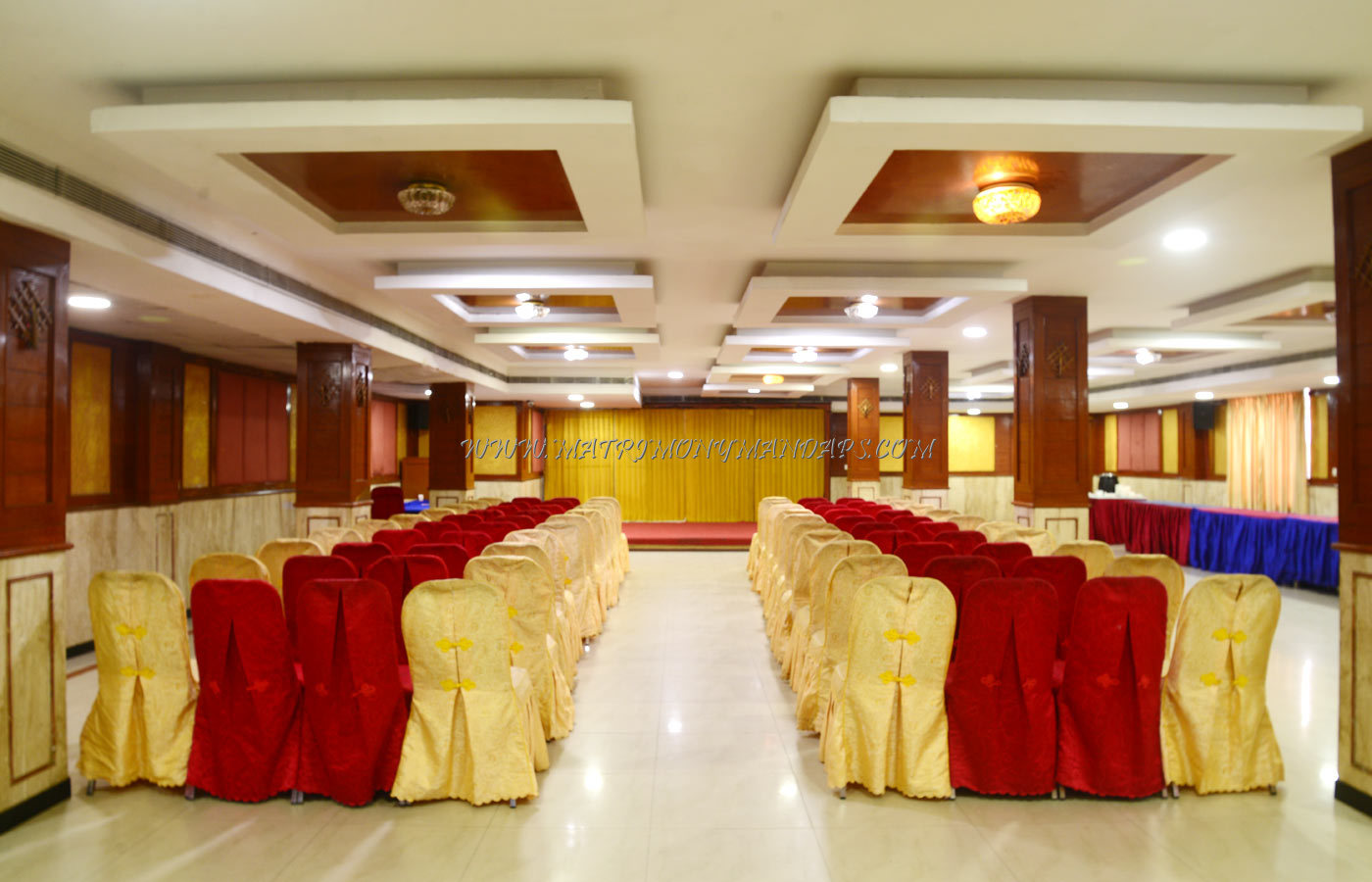 Find the availability of the Maple Tree Hotels Red Maple (A/C) in Vadapalani, Chennai and avail special offers