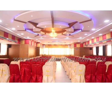 Find the availability of Maple Tree Hotels Silver Maple (A/C)  in Vadapalani, Chennai and avail the special offers