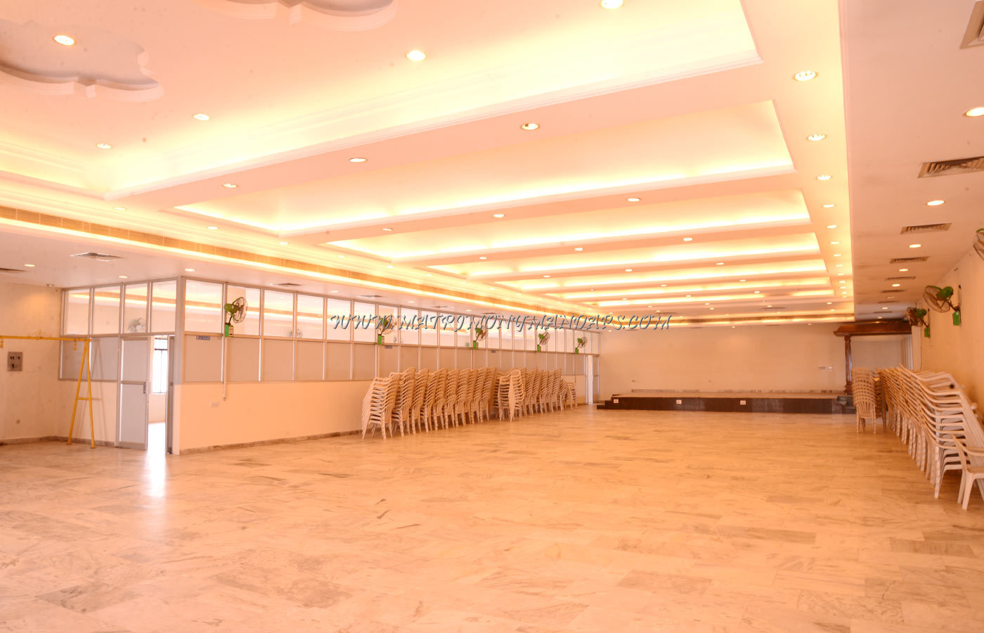 Find the availability of the Sowbhagya Mahal (A/C) in Arumbakkam, Chennai and avail special offers