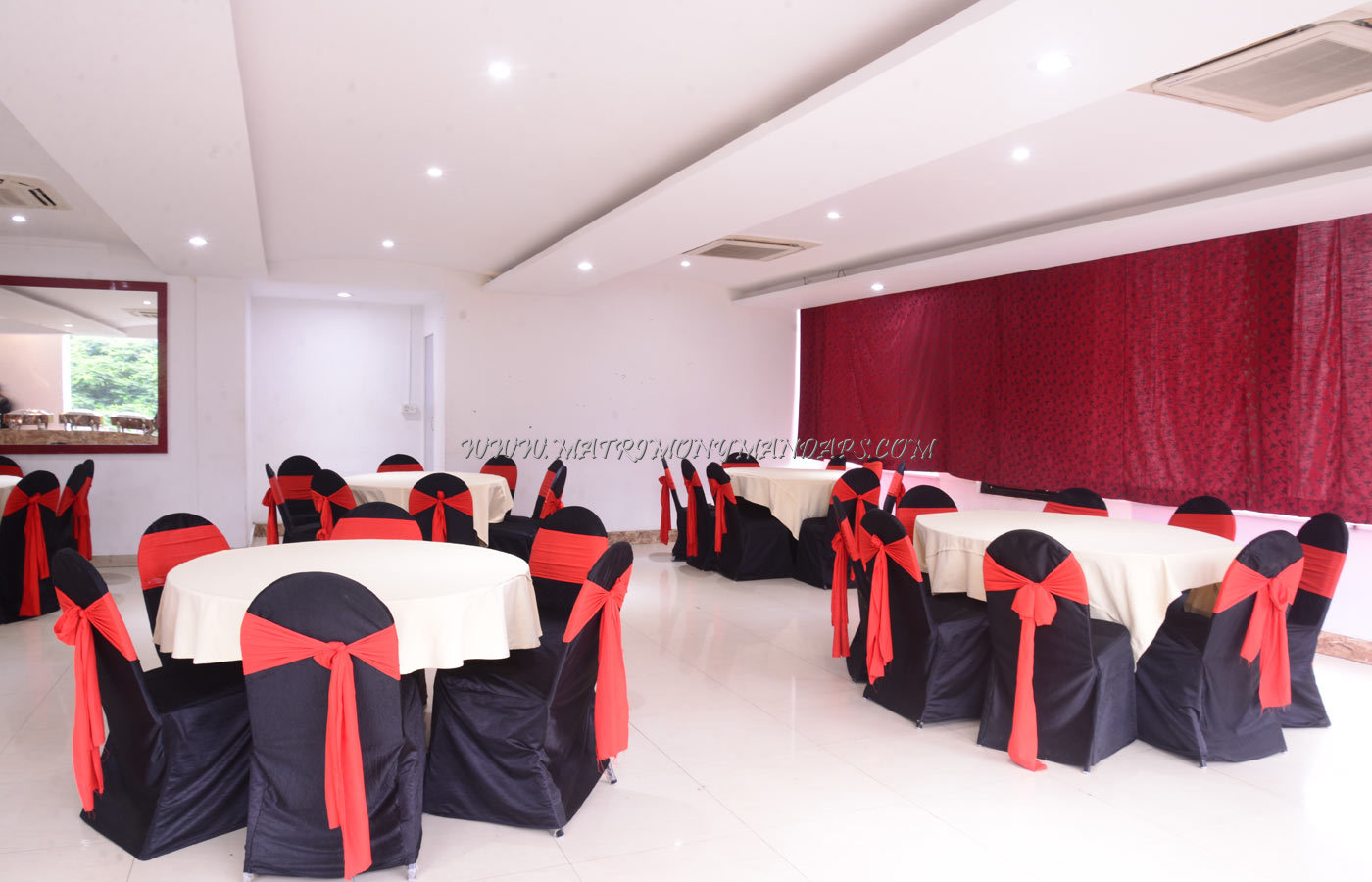 Desi Rasoi Party Hall - Dining
