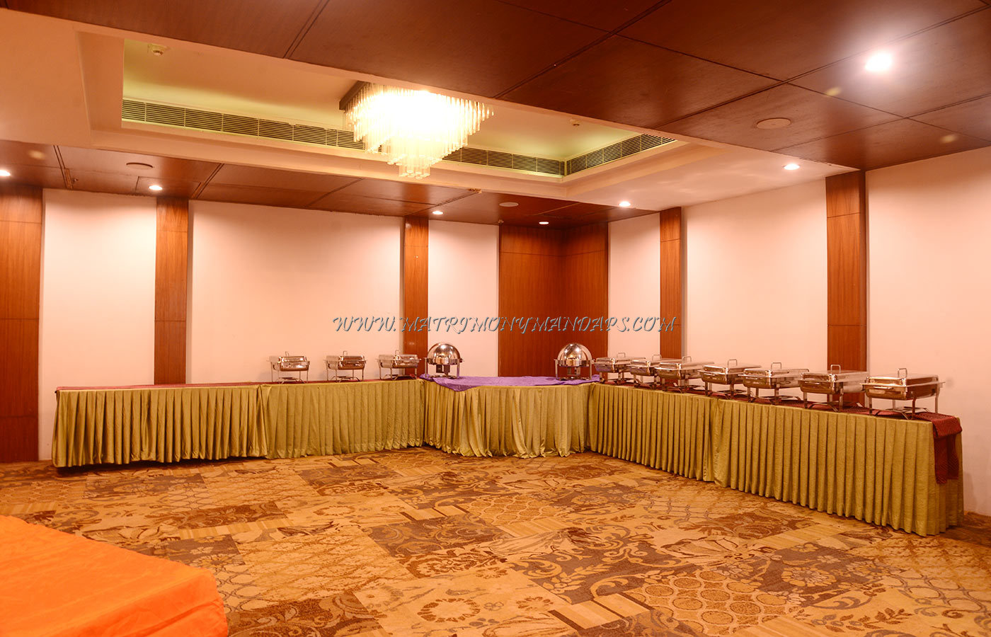 Find the availability of the V7 Hotel Cliff Hall (A/C) in Porur, Chennai and avail special offers