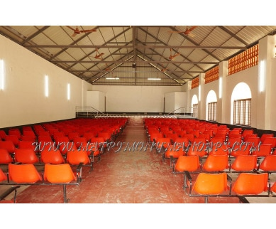 Find the availability of Mali auditorium in Pudukad, Thrissur and avail the special offers