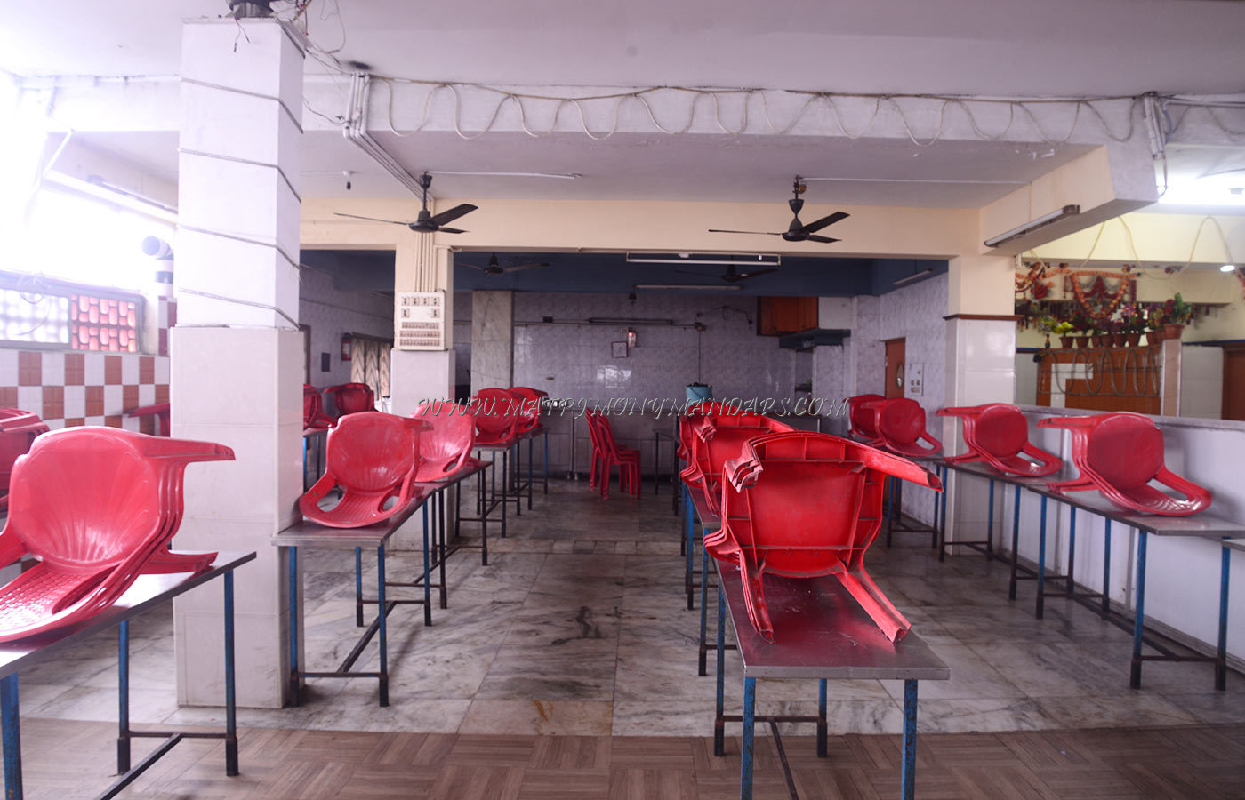 Find the availability of the Hotel Raaj Bhaavan Platinum Hall in Purasawalkam, Chennai and avail special offers