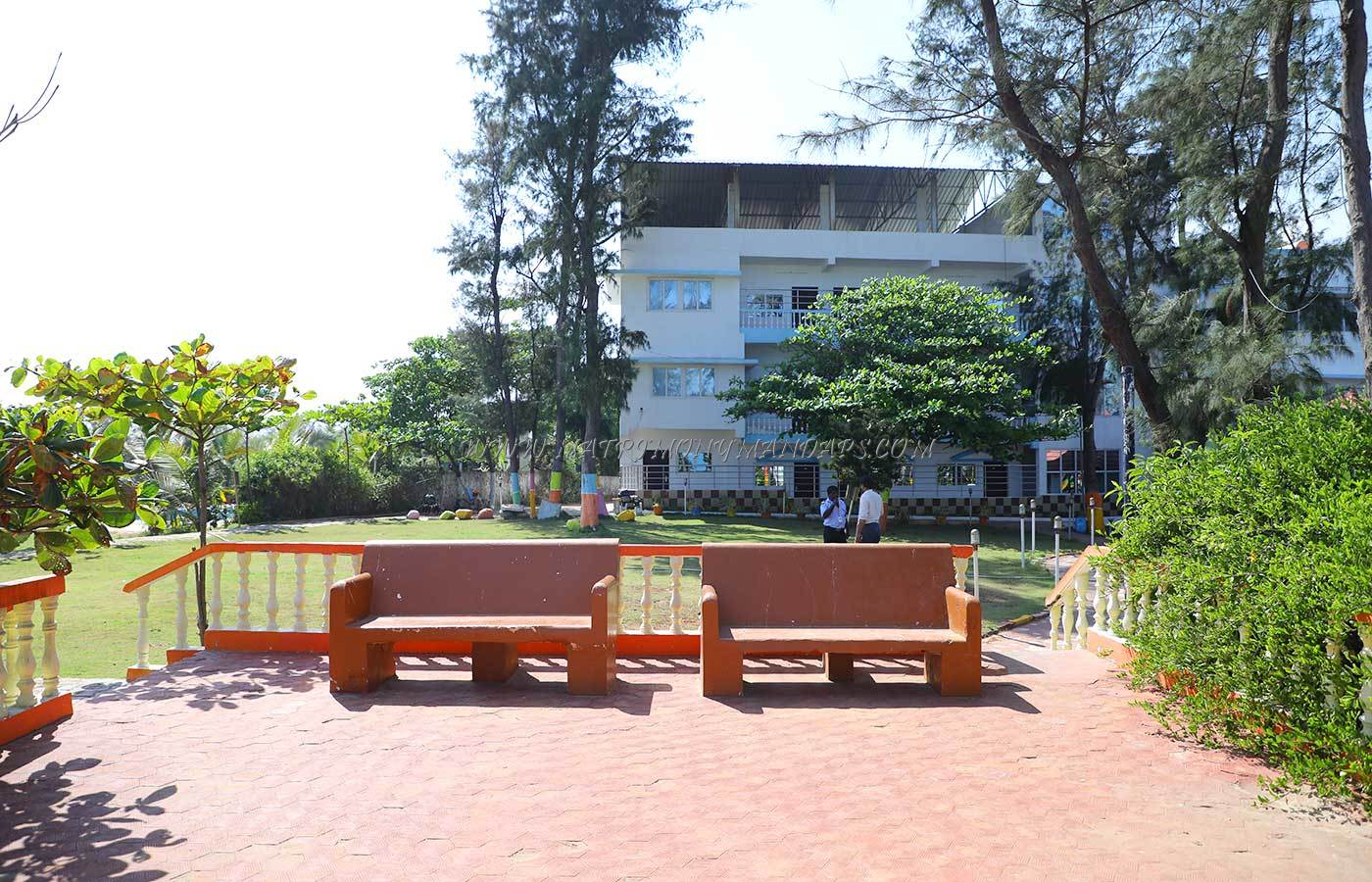 Find the availability of the Joe Beh Resort Cecili Sea View Lawn (A/C) in Mahabalipuram, Chennai and avail special offers