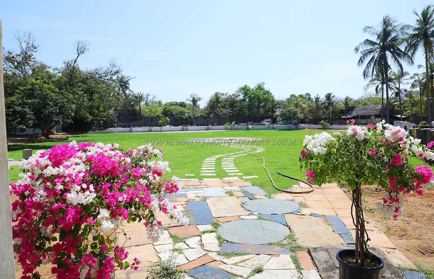 Find the availability of the Vaibhav Villa Eden Garden in Injambakkam, Chennai and avail special offers