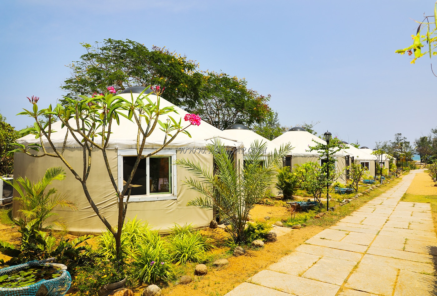Find the availability of the Casuarina Bay Beh Resort Open Lawn in Kovalam, Chennai and avail special offers