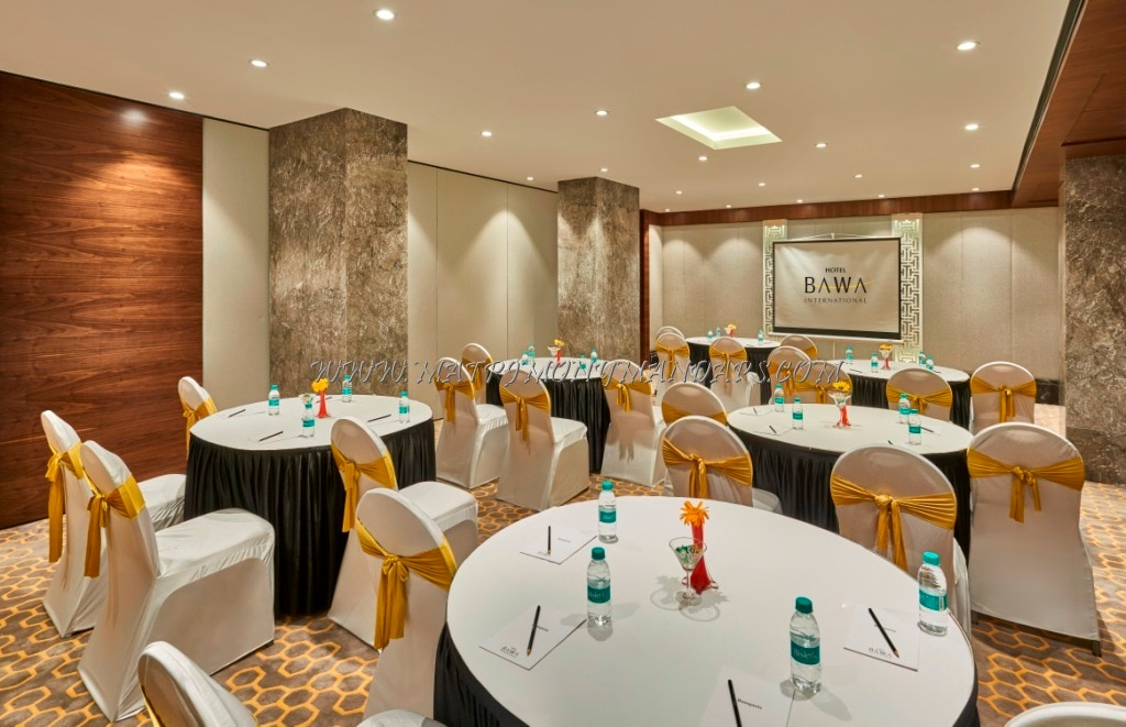 Find the availability of the Glamour Hall Hotel Bawa International (A/C) in Vile Parle East, Mumbai and avail special offers